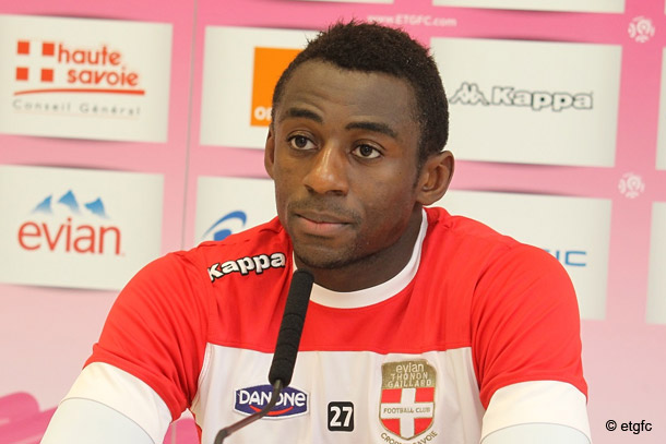Nsikulu pisté par le Werder de Breme et Aston Villa