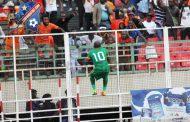 5 questions à  : Ayuk Taku, milieu du FC Rennaissance