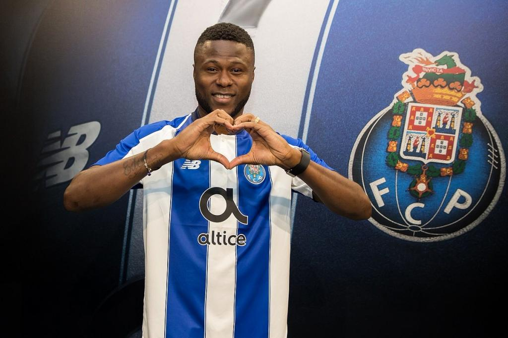 Porto, le club idéal pour relancer Mbemba ?