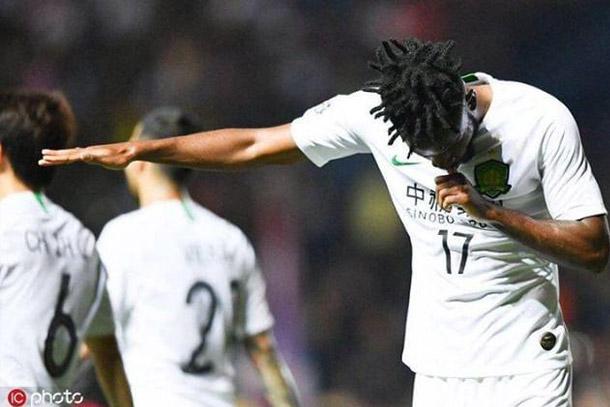 Triplé pour Cédric BAKAMBU en Ligue des Champions asiatique