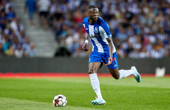 FC Porto : les supporters encensent Mbemba !