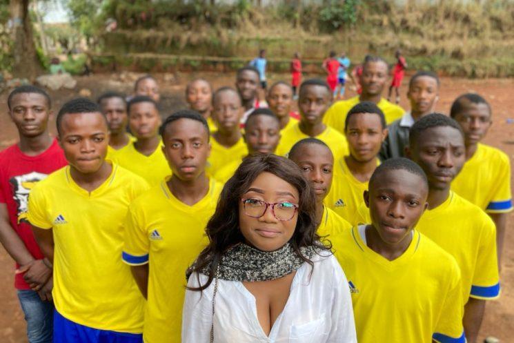 Découverte : coach Becky, détectrice de talents à Bukavu !